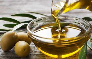 . Den grekiska Extra jungfruolja som har extrema antioxidantegenskaper och skyddar mot ett antal hjärtsjukdomar,